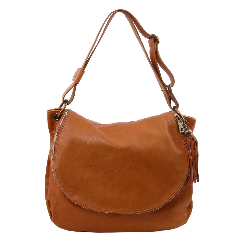 TL Bag - Taška přes rameno z měkké kůže se střapcem - Koňaková barva