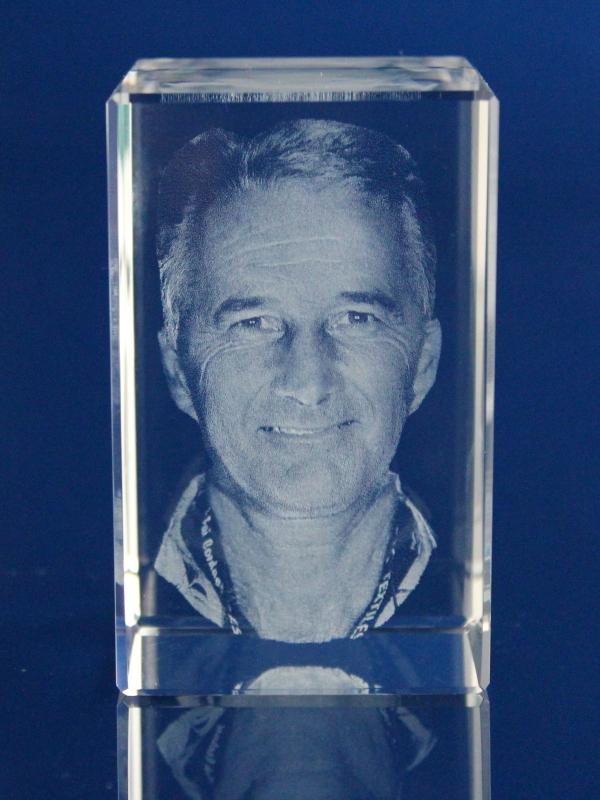 c44f6b877 3D PORTRÉT ve skle   3D Laserovaná fotografie do skla - PORTRÉT ...