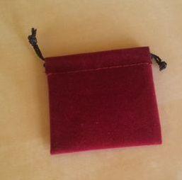 Červený semišový nejmenší 5,5x6 cm